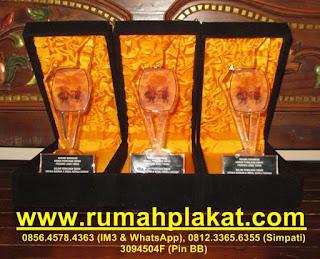 acrylic rack, acrylic brosur, display cosmetic akrilik, 0856.4578.4363, www.rumahplakat.com