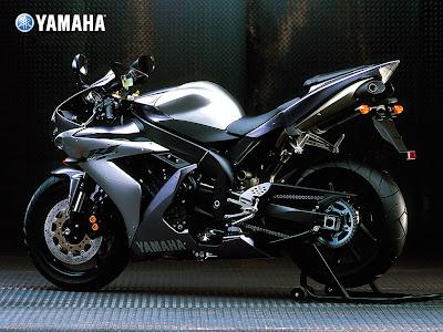 2011 Yamaha YZF-R1 Sportbike