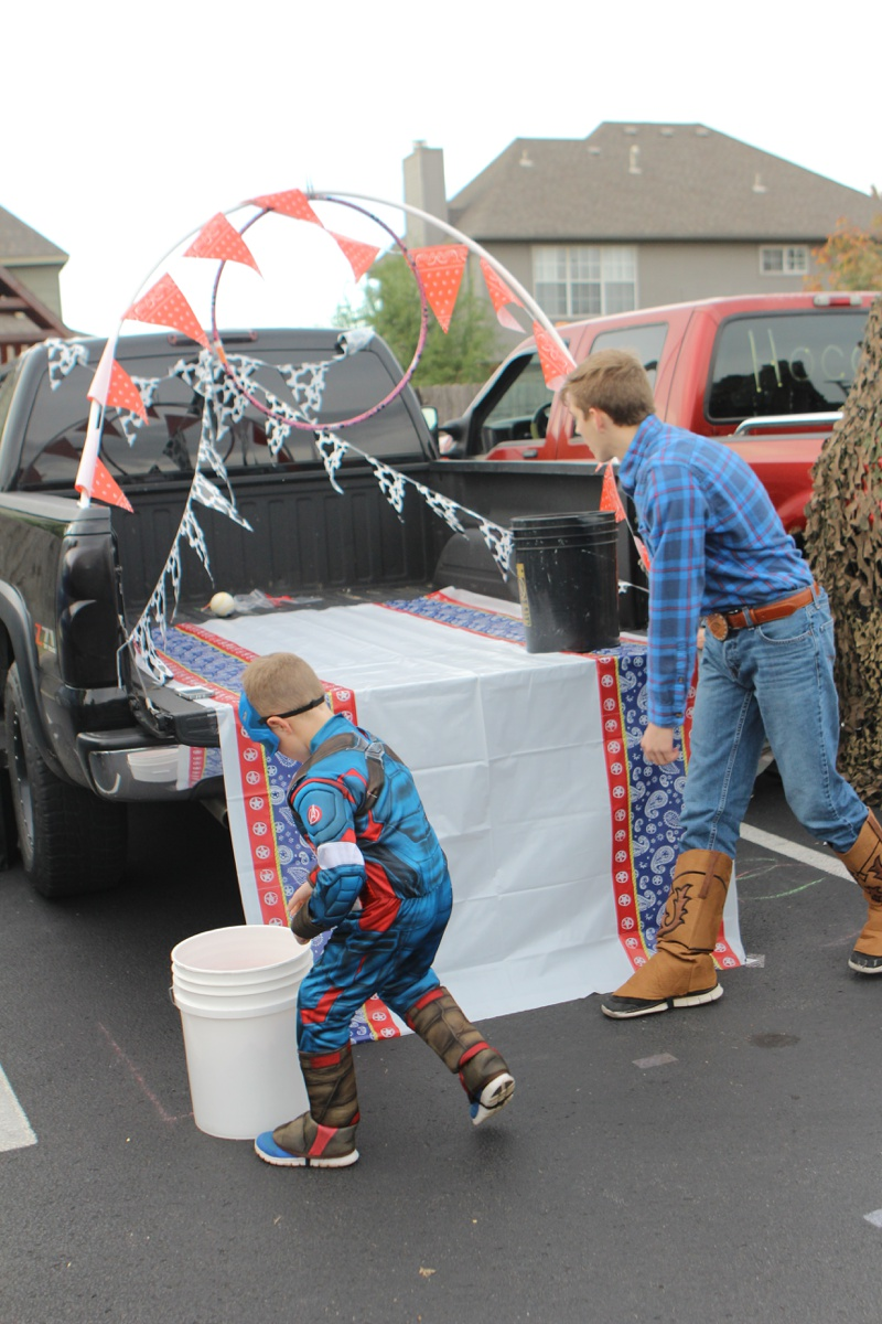 Trunk or Treat Idea Ball Toss