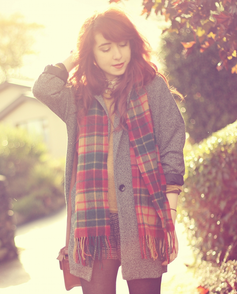 Tartan Scarf and Pattern Clashing