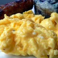 Creamy Scrambled Egggs With Cream Cheese