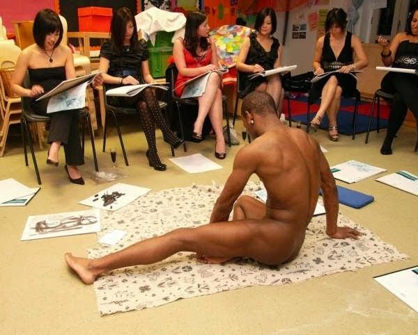 Lufe drawing nude man London hen