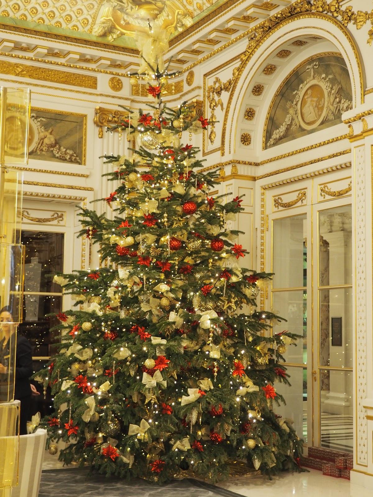 Peninsula Hotel, Paris, Lobby at Christmas time with Christmas Tree