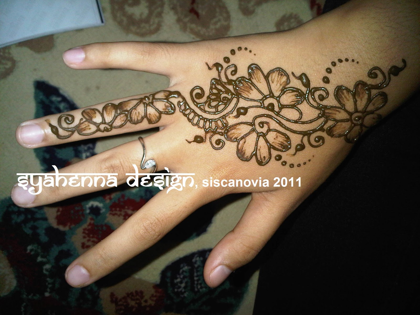 SyaHenna Design Palembang Indonesia Simple Henna Design