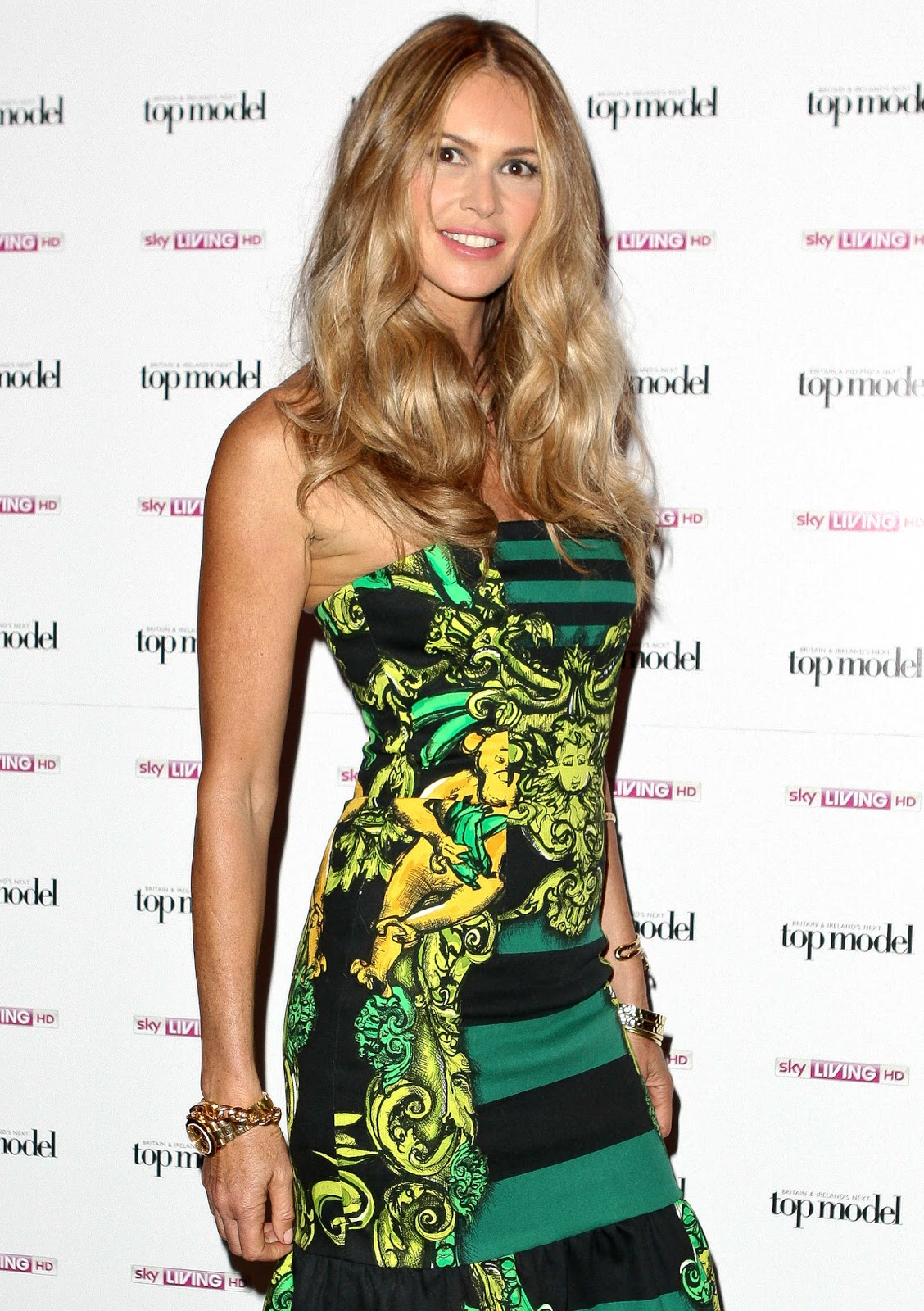 http://2.bp.blogspot.com/-WsWoBXTp2rE/ThET521BFTI/AAAAAAAADFk/nBX6i4quVFI/s1600/Elle+Macpherson+At+The+Launch+Of+Britain+Next+Top+Model+2011.jpg
