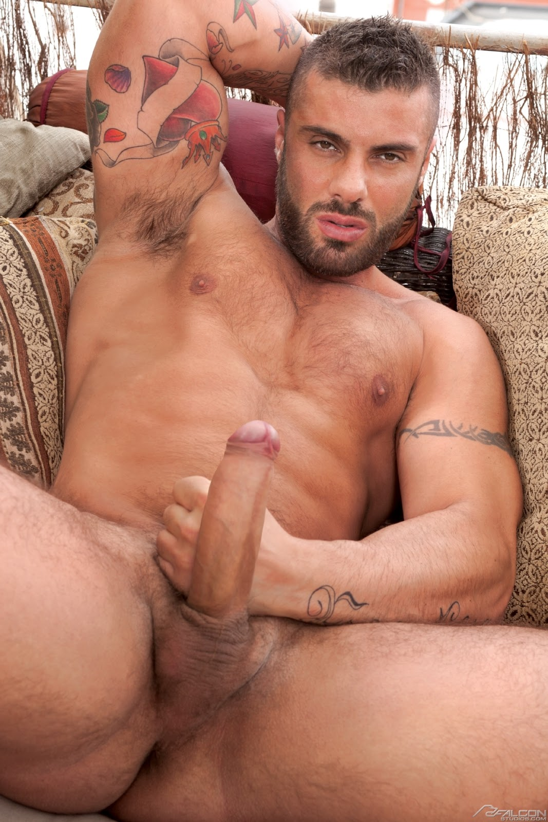 alex marte nudo massaggi gay palermo