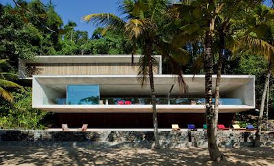 mansão da família Marinho é uma das construções irregulares em Paraty