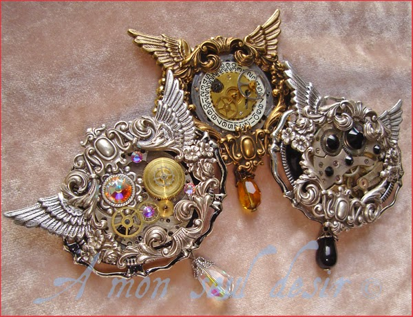Broche Steampunk mécanisme mouvement de montre mécanique ailes rouage engrenage clockwork watch work brooch