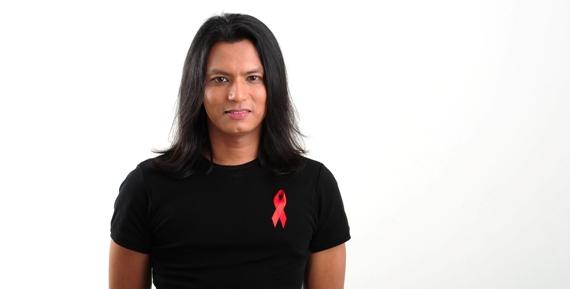 Gambar Faizal Tahir Bantu Pesakit HIV AIDS Dalam Aktiviti Amal Kutip Dana