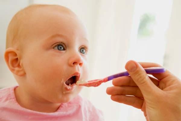 أعشاب طبيعية مفيدة للأطفال الرضع
