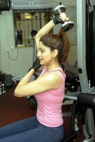 new test- shamita shetty gym workout latest photos