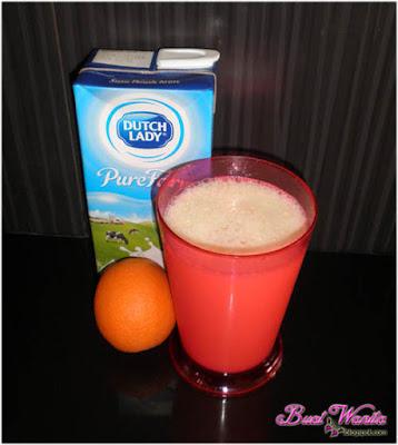 Susu yogurt dengan buah-buahan segar