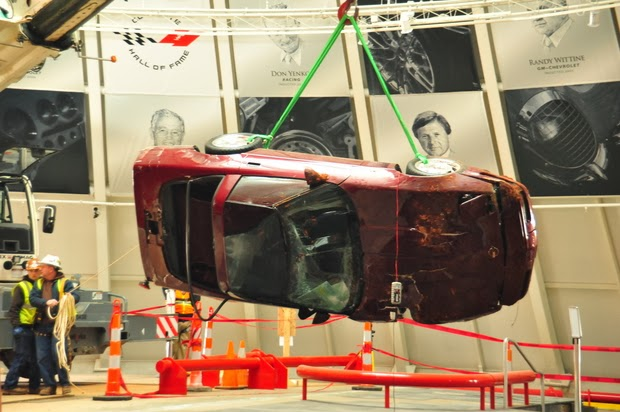 Corvettes Lifted From Sinkhole