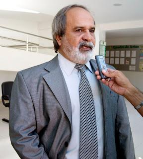 PRESIDENTE DA CÂMARA DE MARABÁ/PA NAGIB MUTRAN NETO, ASSUME PREFEITURA