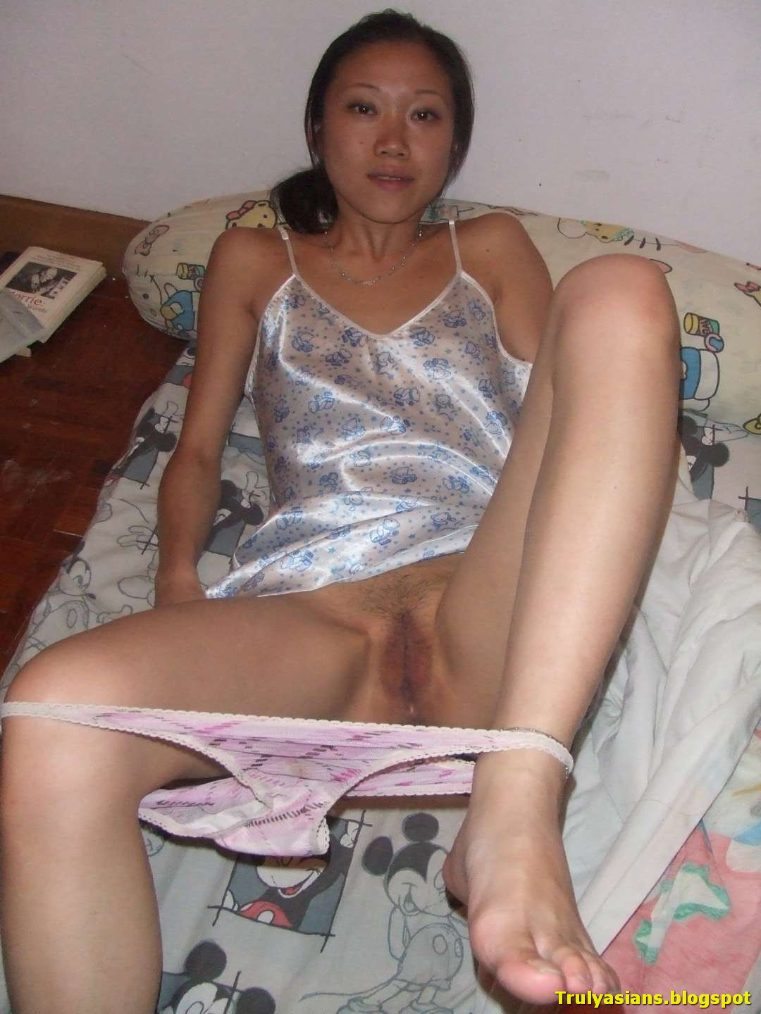 Girl blowjob kong skinny hong