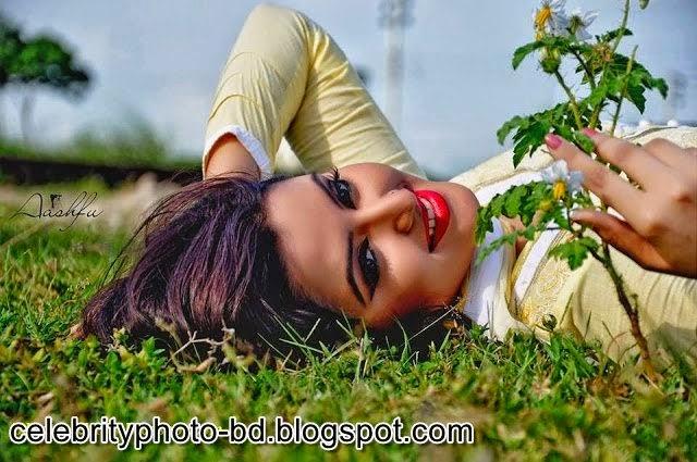 Bangladeshi+Super+Hot+And+Cute+Model+Pori+Moni's+HD+Photos011