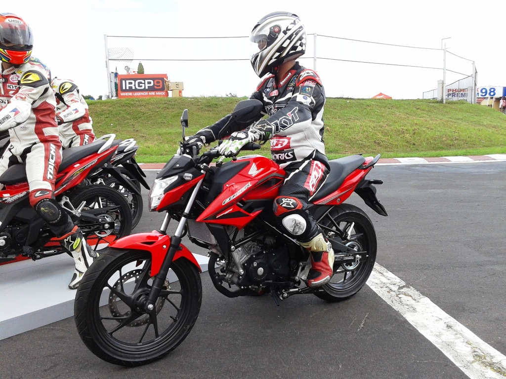 Prize of honda motorcycles philippines - With The Arrival Soon Of The Honda Cb150r Streetfire The Motorcycling Market Community And Industry Will Become Just More Interesting