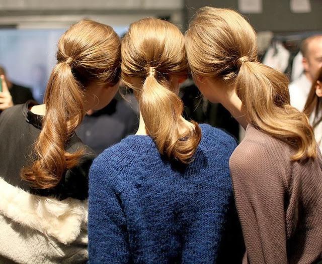 Vía Pinterest por Moris Pa Magaña en http://www.vogue.mx/galerias/tendencias-en-peinados-belleza-coleta-baja/2694/image/1148687 foto de Fairchild Archive