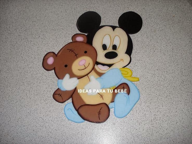 PERCHEROS INFANTILES: LETREROS Y APLIQUES MICKEY Y MINNIE- VERÓNICA