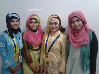Model Hijab Wisuda 12