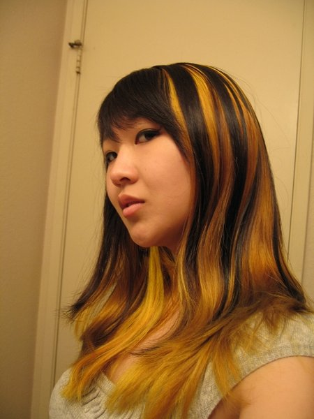 cool yellow hair highlights hairstyle