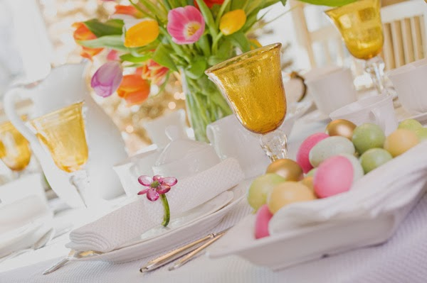 http://cdn.sheknows.com/articles/2013/02/easter-brunch-table.jpg