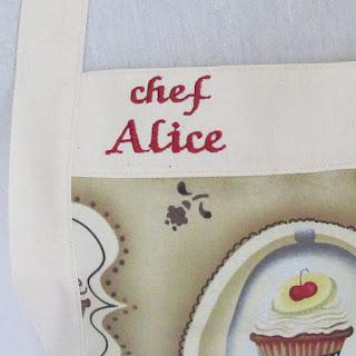 tablier de cuisine rétro cucakes taupe broderie personnalisée