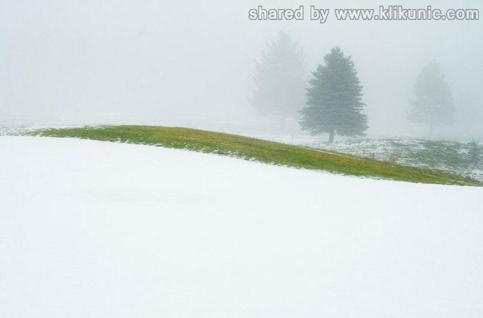 http://2.bp.blogspot.com/-Www_hFhahiU/TX1kkAxqE8I/AAAAAAAARIA/hNlaq9fJu4o/s1600/winter_60.jpg