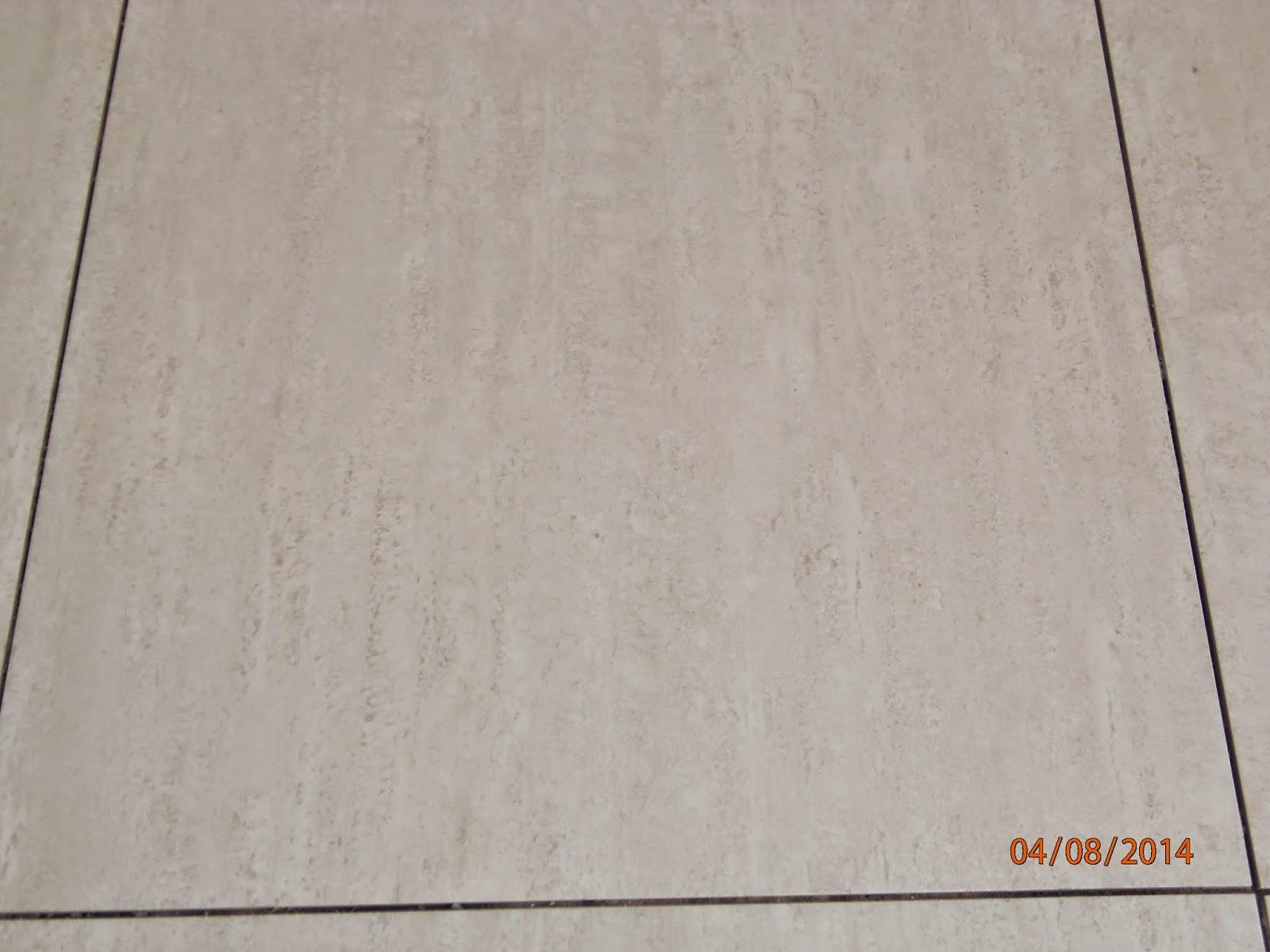 Porcelanato da cozinha 62x62 esmaltado (ainda sem rejunte e sujo) #B44C12 1600x1200 Banheiro Branco Com Rejunte Cinza