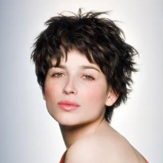 Meilleure coiffure tendance meilleure coupe de cheveux courts - Coupe courte saint algue ...