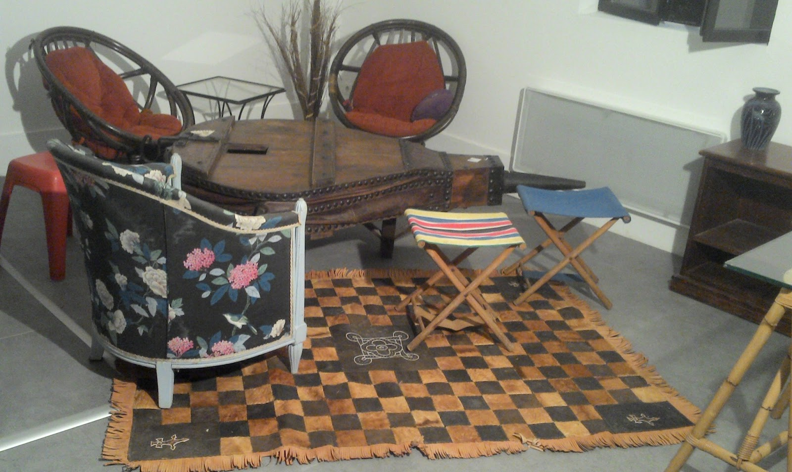 Un petit coin salon paire - Table d appoint fer forge ...