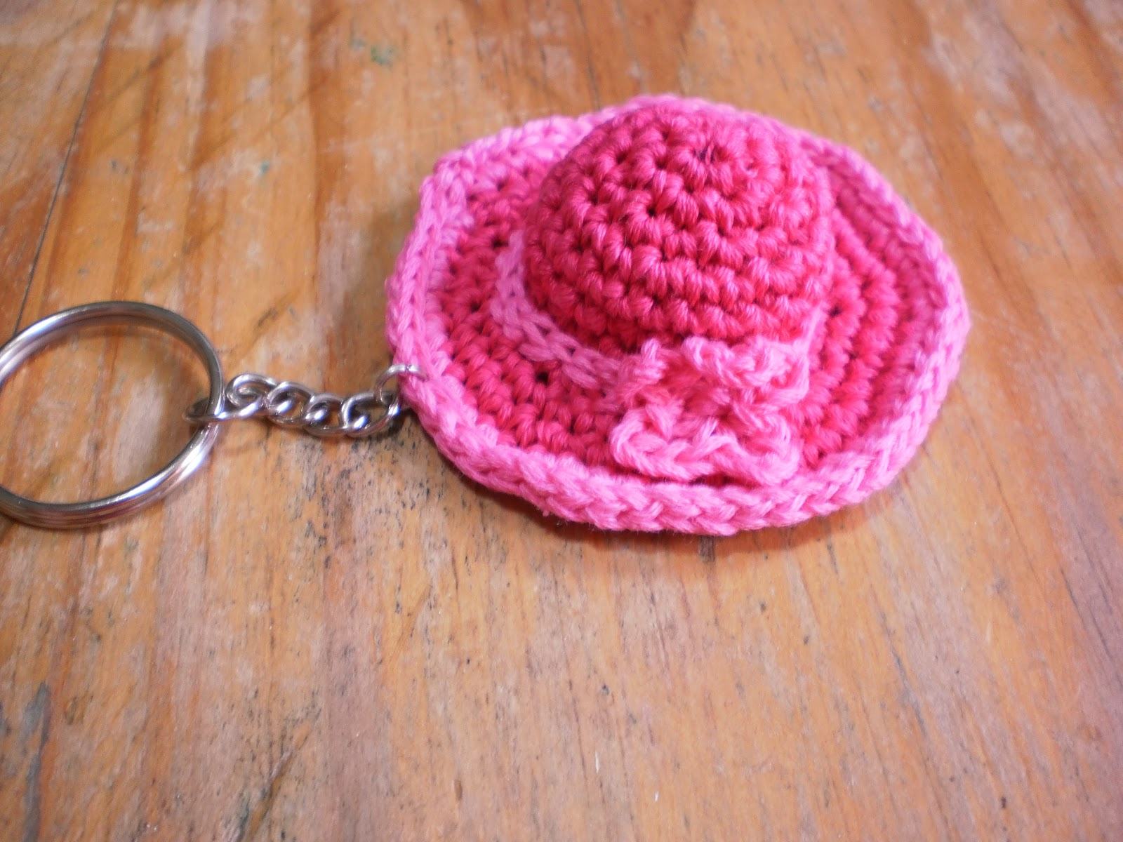 Llaveros tejidos de miniatura tejidos al crochet