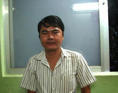 (လမ္းခုုလတ္ ၂၀၁၃) ေတာင္တြင္းၾကီးက NLD လူငယ္၊ ကိုုမိုုးၾကီးနဲ႔ စကားလက္ဆုုံ