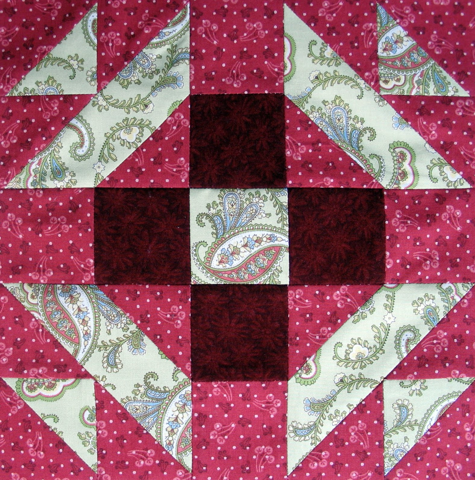 Free Quilt Patterns And Blocks : Starwood Quilter: Christmas Star Quilt Block