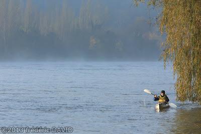rameur kayak sport maritime rivière brume Seine-et-Marne