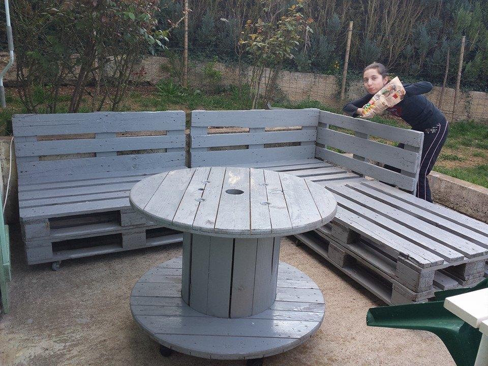 Banc en palettes et table en touret | Astuces et blagues