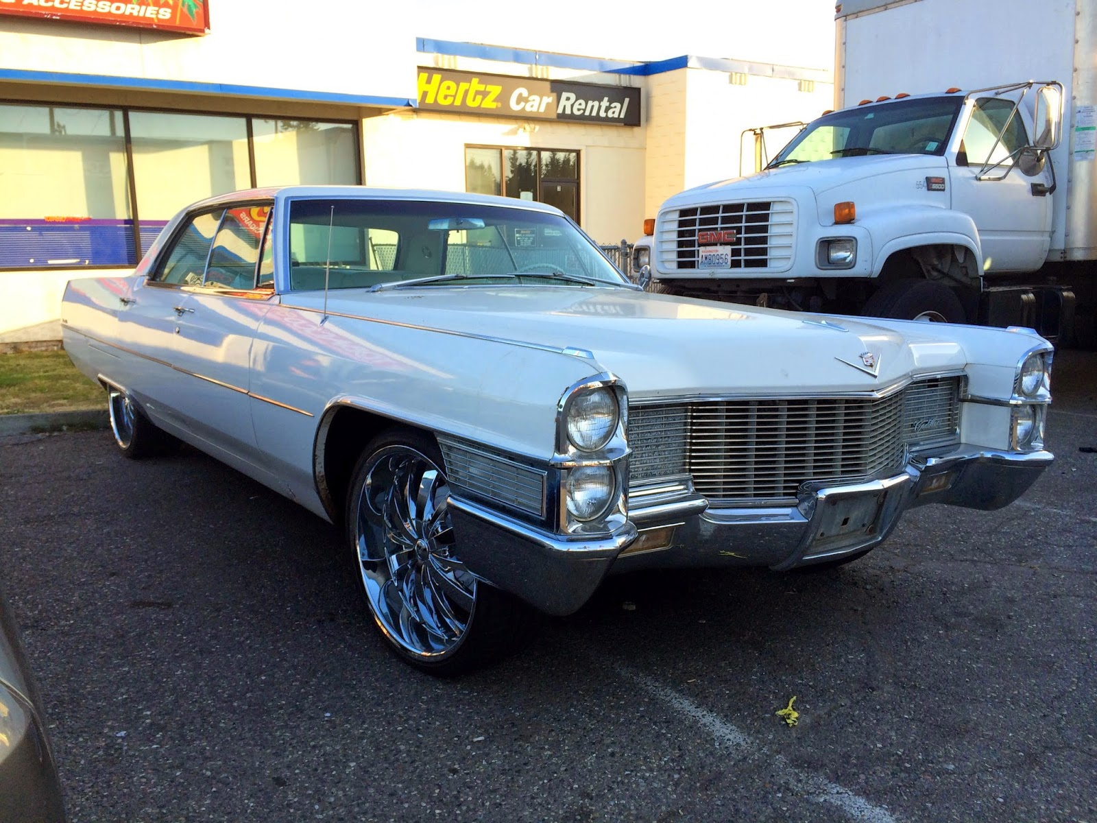 seattle 39 s classics 1965 cadillac sedan deville. Cars Review. Best American Auto & Cars Review