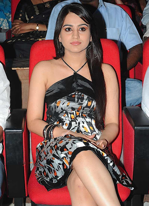 aksha at gaurd audio launch, aksha new actress pics