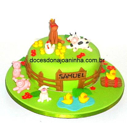 Festa Fazendinha - Bolo decorado com animais da fazenda para pequenas reuniões