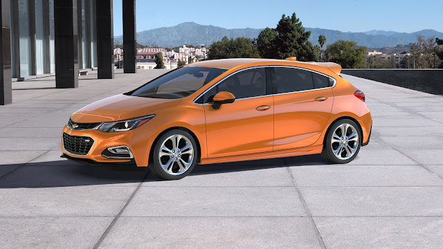 Chevrolet Introduces the 2017 Cruze Hatch