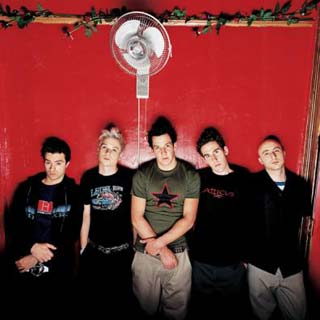 Simple Plan – Fire In My Heart Lyrics | Letras | Lirik | Tekst | Text | Testo | Paroles - Source: musicjuzz.blogspot.com