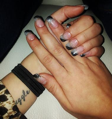 olivias naglar mölnlycke