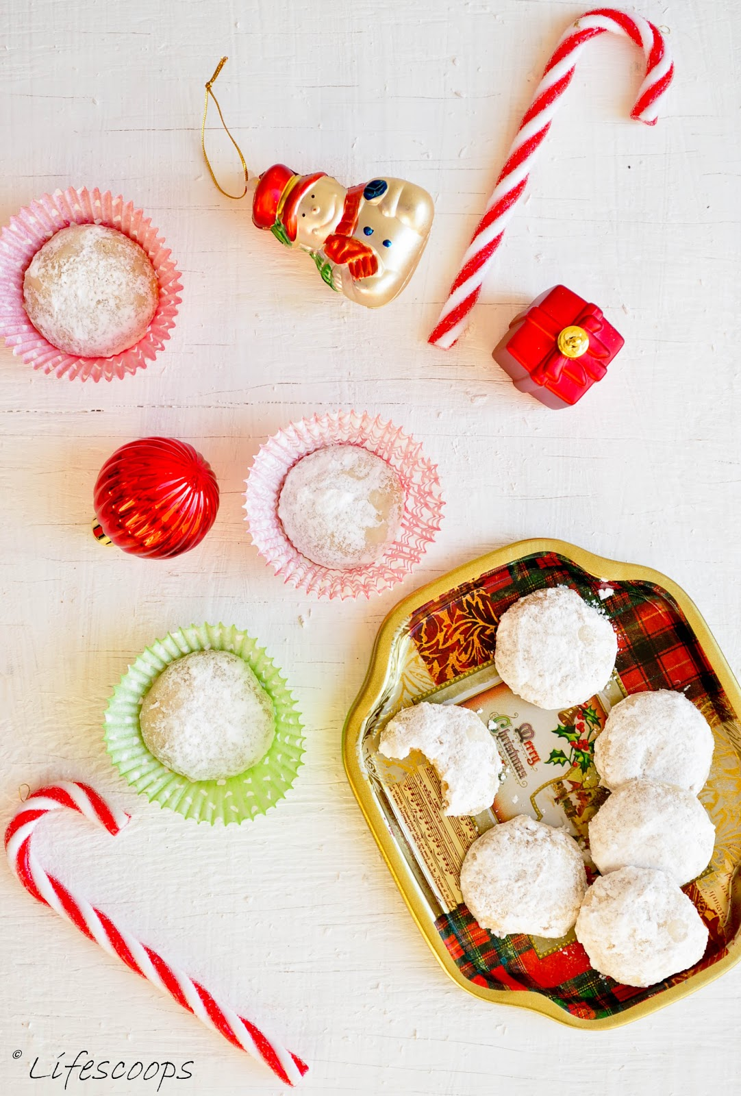 Italian Wedding Cookies / Mexican Wedding Cake Cookies / Snowball Cookies /  Russian Tea Cakes