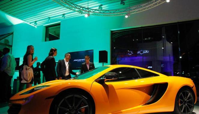 Mobil-mobil Tercantik di 2012 C-Type, D-type, dan E-Type.Aston V8 Vantage, Ferrari 458 Italia, serta Porsche 911.