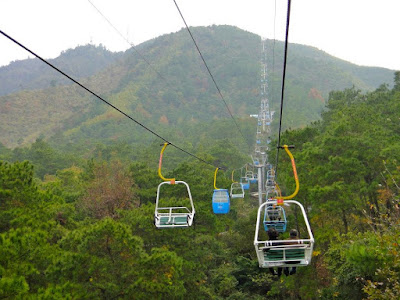 Cable Car Ride to the top of Yao Mountain, Guilin