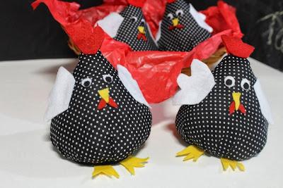 diy galinha feita com fuxico