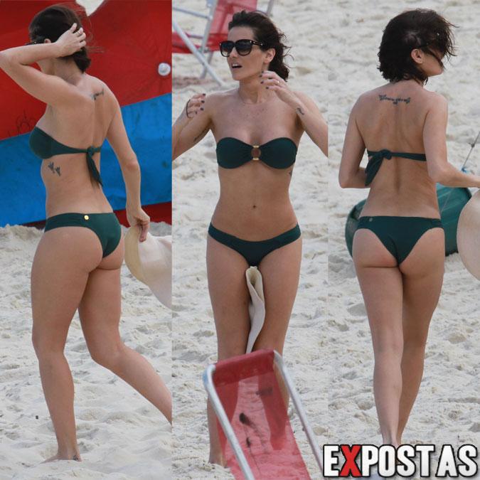 Deborah Secco (espetacular) curtindo a praia da Barra da Tijuca - Rio de Janeiro - 17 de Agosto de 2012
