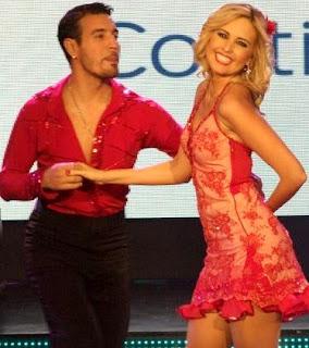 Foto de Jéssica Tapia bailando salsa