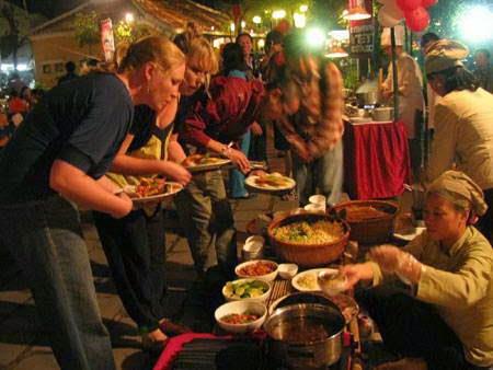 Phát triển tour du lịch ẩm thực tại Việt Nam