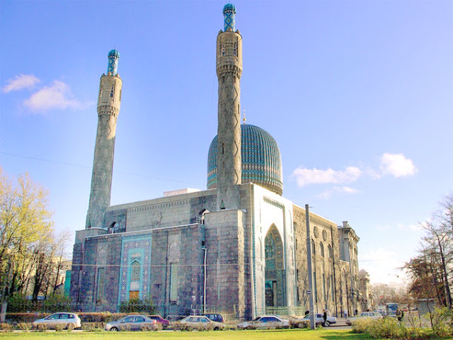 THE SAINT PETERSBURG MOSQUE, RUSSIA